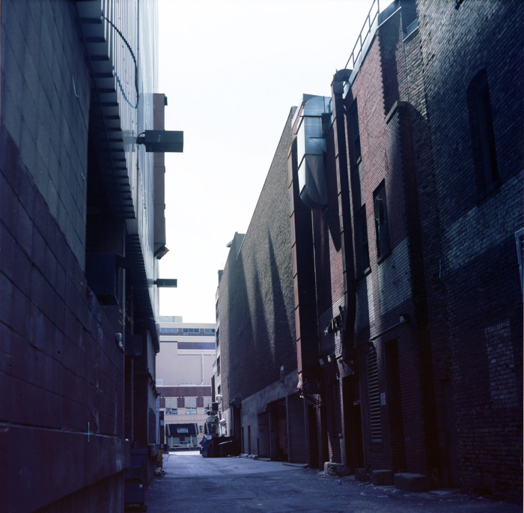 alley small